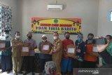 Bupati Barsel apresiasi PDAM bagikan sembako ke warga kurang mampu