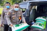 Polresta dan Kodim Banyumas bagikan bantuan sembako ke 11 pesantren