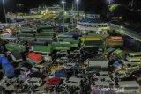 Jelang Larangan Mudik Di Pelabuhan Merak Tujuan Sumatera