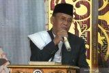 RRI anugerahi qari Muammar ZA penghargaan  pengabdian seumur hidup