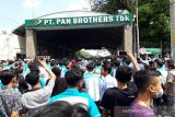 Buruh PT Pan Brothers Boyolali tuntut gaji dibayar penuh
