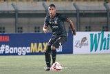 Perbedaan epak bola Indonesia dan Brazil kata Jaja