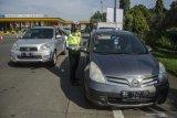 Polisi beri sanksi travel gelap pemudik yang ditahan