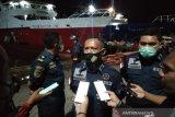 Tiga kapal malam angkut penumpang Kendari-Raha menjelang larangan mudik