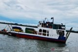 Kapal Jembatan Musi II kandas di Pulau Suwangi  akibat kabut tebal dan angin kencang