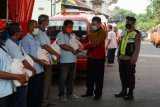 Ringankan beban warga, LKP Matematika Indonesia bagikan beras
