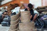 Masa pandemi, permintaan pot serabut kelapa Kebumen meningkat