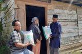 65 ton beras zakat mal Yayasan Al-Aziz disalurkan untuk keluarga fakir miskin di Padang Pariaman