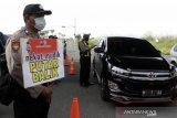 Di hari pertama larangan mudik, Polri putar balikkan 23.573 kendaraan