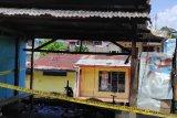 Bengkel tambal ban sepeda motor di Jayapura terbakar