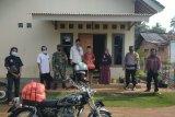 Anak-anak yatim di Desa Mataram Baru terima sembako dan uang