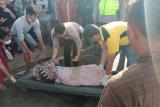 Penumpang sepeda motor tewas terlindas truk di Jalan Mantang Lombok Tengah