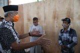 Gubernur Jateng temui pemudik yang dikarantina di GOR Satria Purwokerto