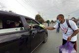 Mahasiswa Papua di Sulteng bagikan takjil