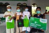 IZI Sulsel dan MTT berbagi paket Anak Sholeh di pelosok Pinrang dan Gowa