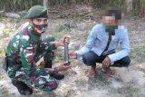 Warga serahkan granat ke Satgas Pamtas RI-Timor Leste