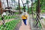Pengunjung objek wisata di Lawu Park Karanganyar sepi