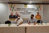Gubernur Papua Lukas Enembe ke luar negeri untuk pengobatan