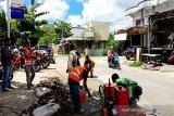 Jelang Lebaran, Dinas PUPR perbaiki jalan berlubang dalam kota Muara Teweh