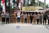 Bupati Lampung Barat dan Wakapolda cek posko penyekatan di Pinusan