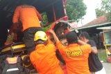 Lewat jalur sungai, tiga pemudik dari Riau hanyut saat masuk ke Sumbar