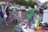 Pedagang bunga di TPU Kota Palembang 'panen' saat Lebaran ini