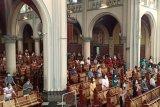 Gereja Katedral terapkan prokes ketat pada ibadah Kenaikan Isa Al Masih