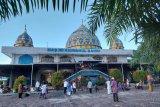 Muslim Papua di Teluk Bintuni gotong royong mendirikan masjid