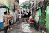 Wawali Kota Manado berikan penguatan korban kebakaran kompleks balai wartawan