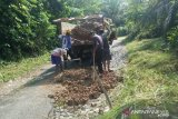 DPUTR Agam perbaiki jalan rusak hubungkan Lubukbasung-Batukambiang