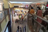 Pusat perbelanjaan di Pekanbaru diserbu warga