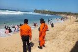 Basarnas Yogyakarta menyiagakan personel di wisata pantai selatan DIY