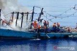 27 ABK KM Sinar Mas yang terbakar di tengah laut Natuna Utara dapat diselamatkan