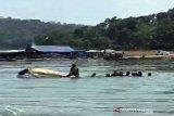 Perahu wisatawan tenggelam di Waduk Kedung Ombo, sembilan orang belum ditemukan