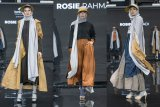 Rosie Rahmadi memaknai peristiwa dalam keheningan lewat