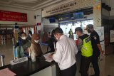 Tak lengkapi persyaratan, 62 calon penumpang di Stasiun Purwokerto ditolak naik kereta api