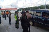Polda Lampung putar balik ratusan kendaraan pada larangan mudik