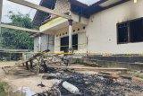 Saksi mata sebut ada ribuan orang  saat pembakaran Polsek Candipuro Lampung Selatan