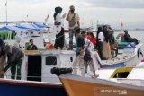 Arus Balik Penumpang Di Pelabuhan Paotere Masih Ramai