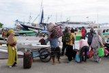 Arus balik penumpang di Pelabuhan Paotere Makassar masih ramai
