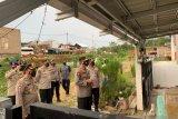 Kapolda Sumsel bantu warga yang jalani isolasi mandiri  di Baturaja