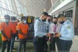 Rudenim Makassar deportasi tiga WNA Sri Lanka ke negara asal