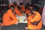 KM Wicly pecah dihantam ombak besar di Kuala Tungkal, 9 penumpang hilang