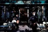 Kafe-kafe di Paris, Prancis kembali dibuka