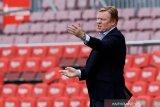 Ronald Koeman optimistis tetap latih Barcelona