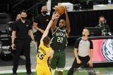 Bucks rebut gim pertama atas Heat