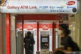 Kemarin, isu belanja pemerintah hingga penundaan biaya di ATM Link