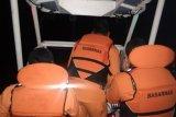 Tim SAR evakuasi delapan awak kapal tenggelam