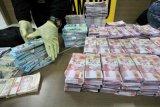 Pengedar uang palsu Rp11,5 miliar dibekuk polisi