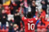 Liga Inggris - Dwigol Mane antar Liverpool ke Liga Champions